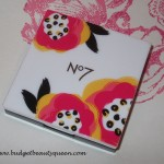 Limited Edition No7 Floral Brights – Vital Enlightening Highlighter Powder